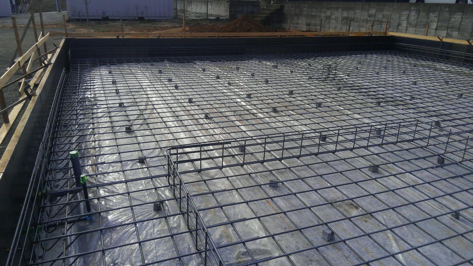 基礎工事、配筋が完成です。