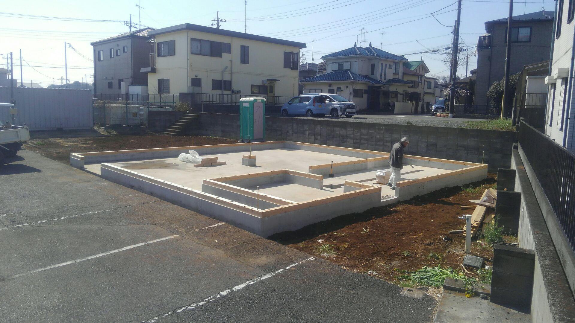 土台敷き完了です。まもなく上棟棟上げです。