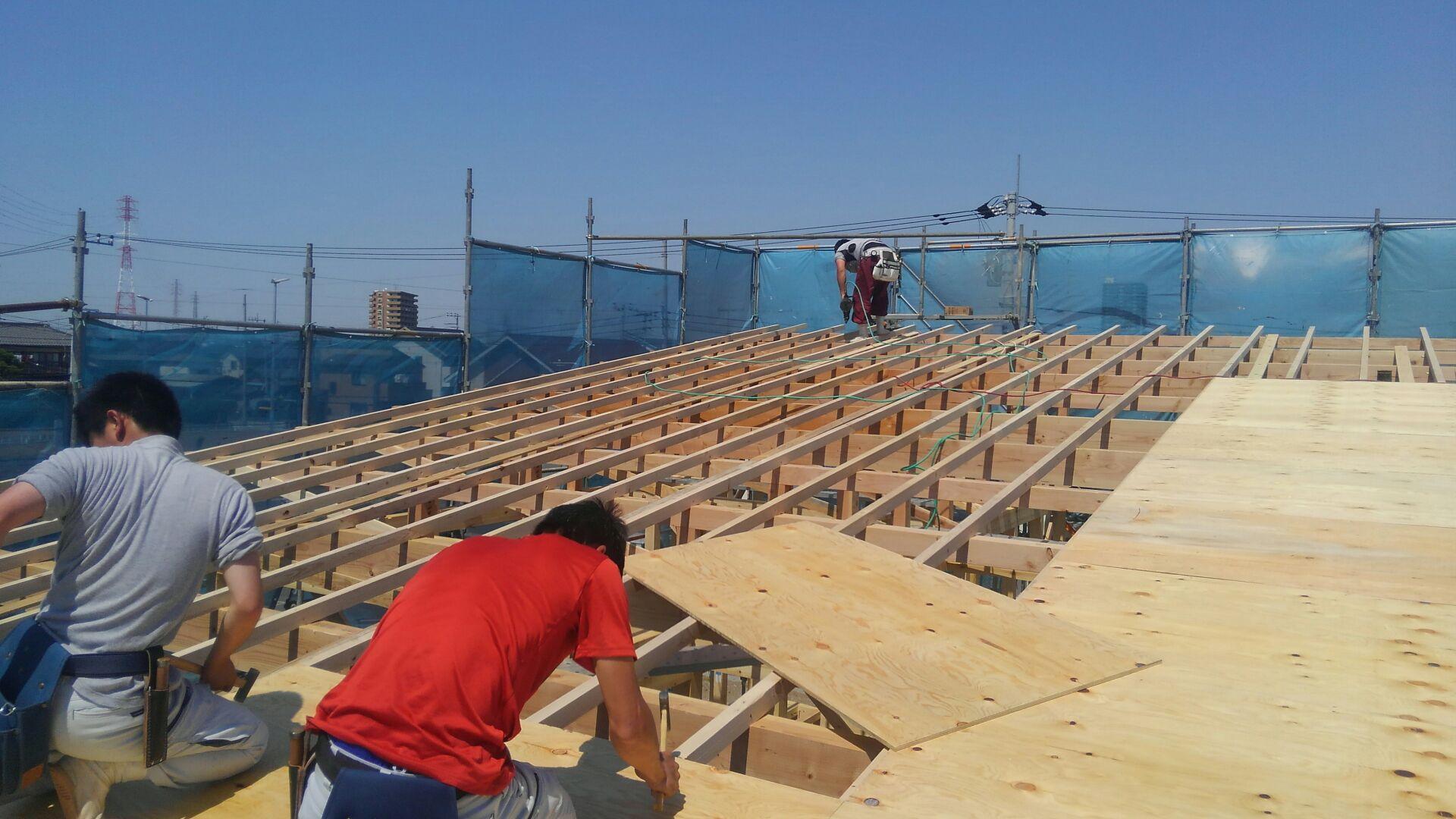 【建物施工】こどものとも様北関東支店 屋根下地が完成です。