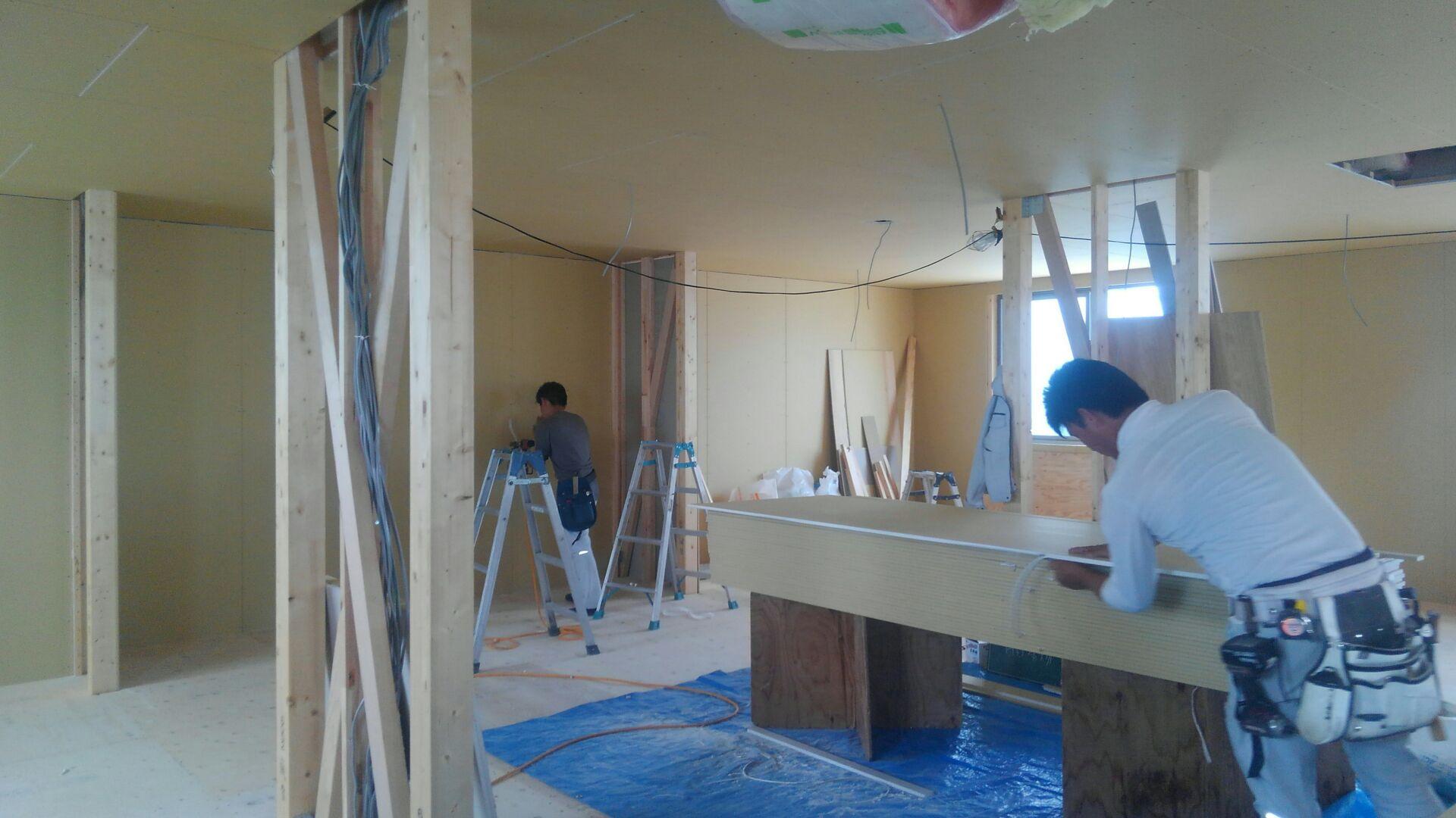 【建物施工】こどものとも様北関東支店 階段つくりをはじめました。
