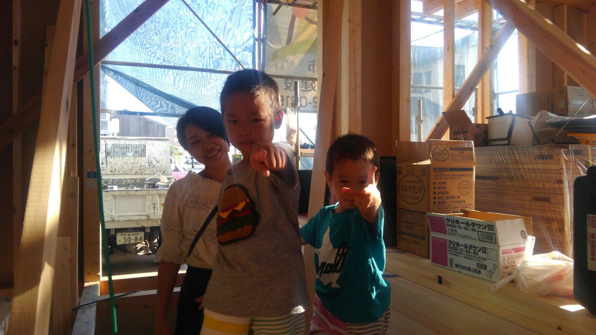 【注文住宅】新白岡市K様邸 3時の休憩中、奥様とお子ちゃまがきてくれました。