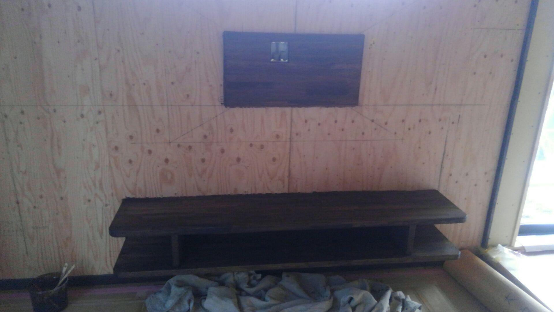 大工さんが造作したテレビ台。