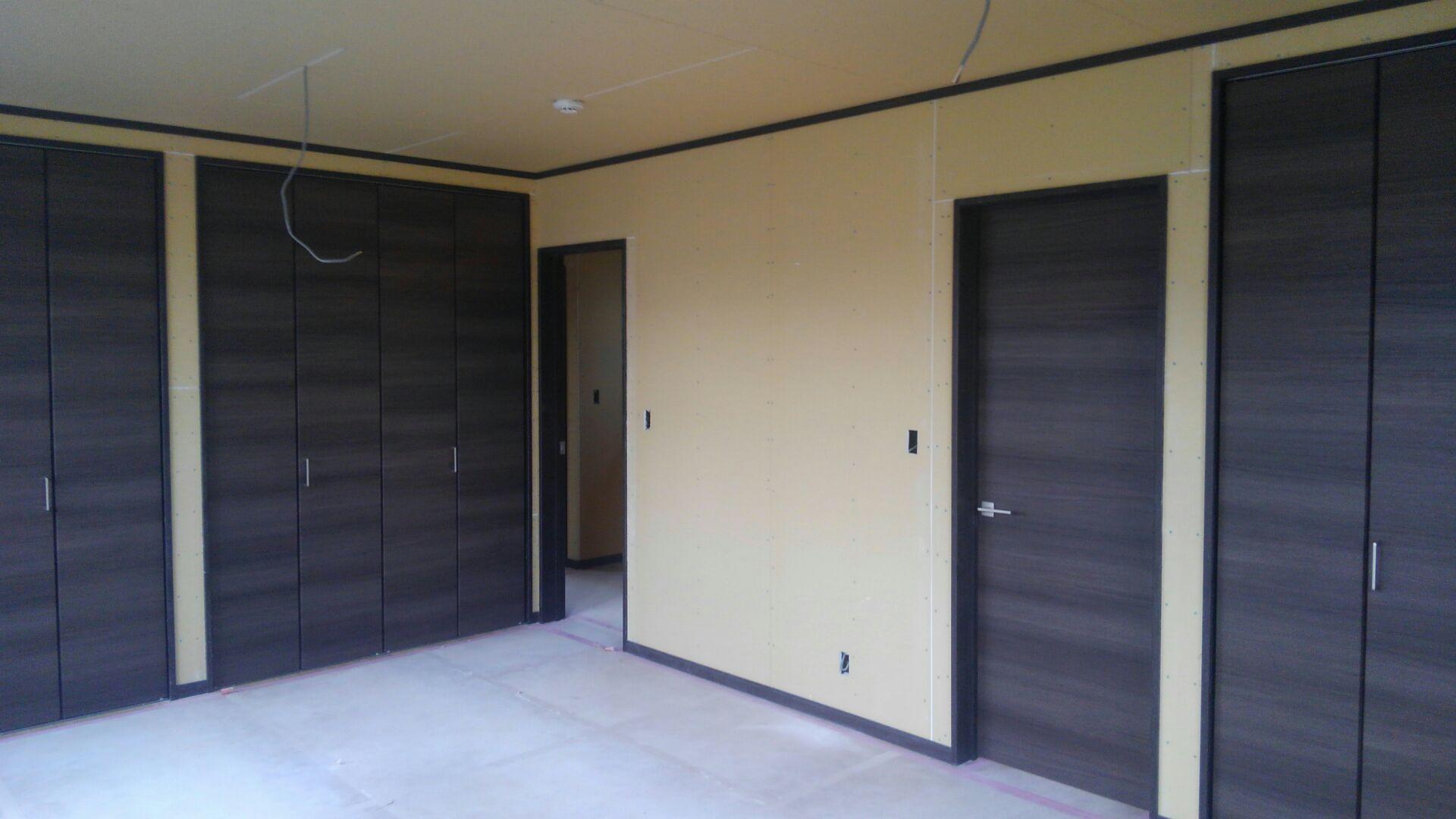 2階の子供部屋、将来間仕切りを取り入れて二部屋も可能です。