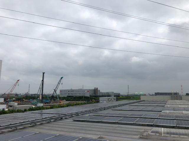 こんな工事も弊社は携わっています!!太陽光発電屋根です。